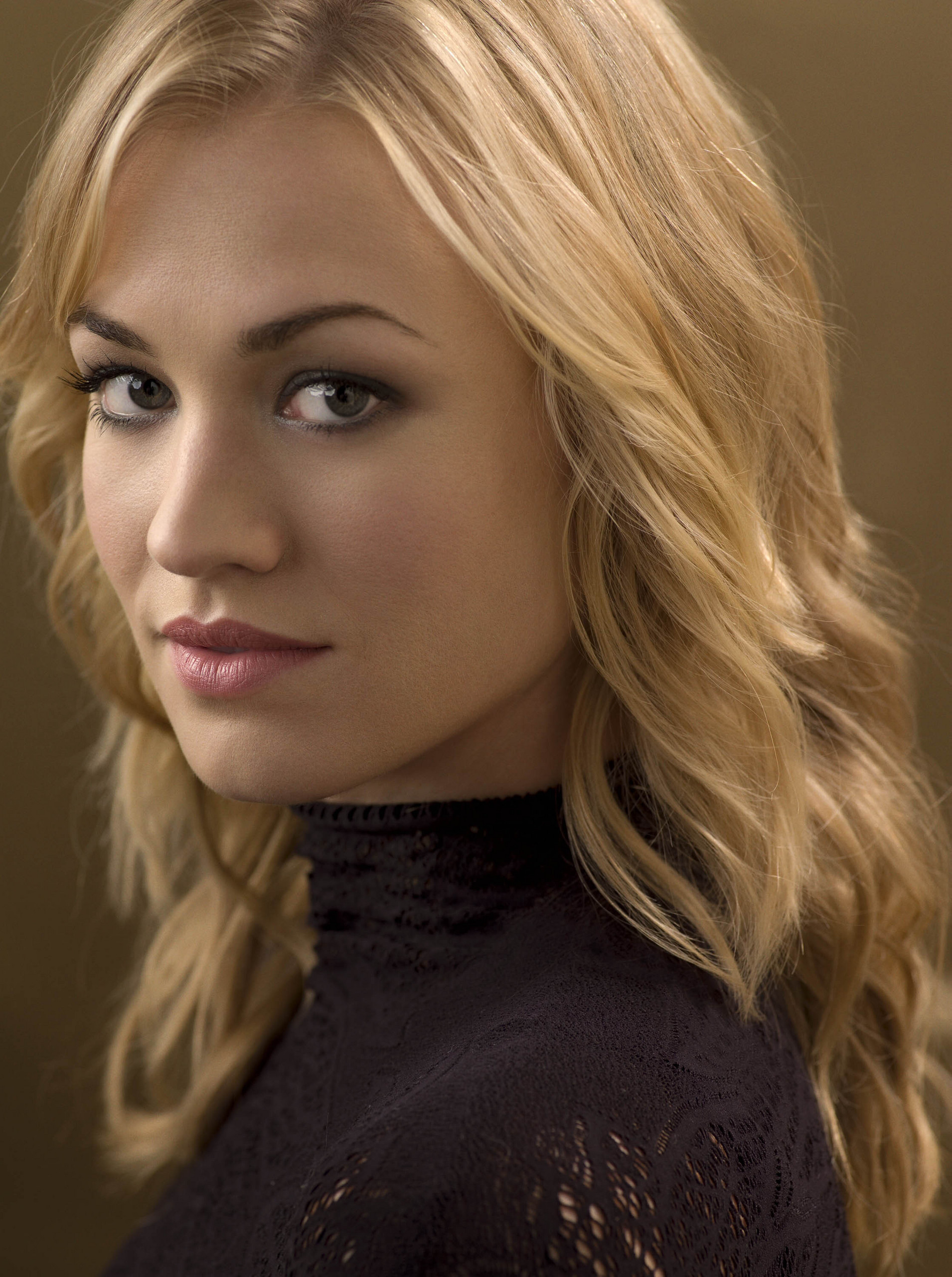 Yvonne Strahovski images yvonne HD wallpaper and background photos 1910x2560