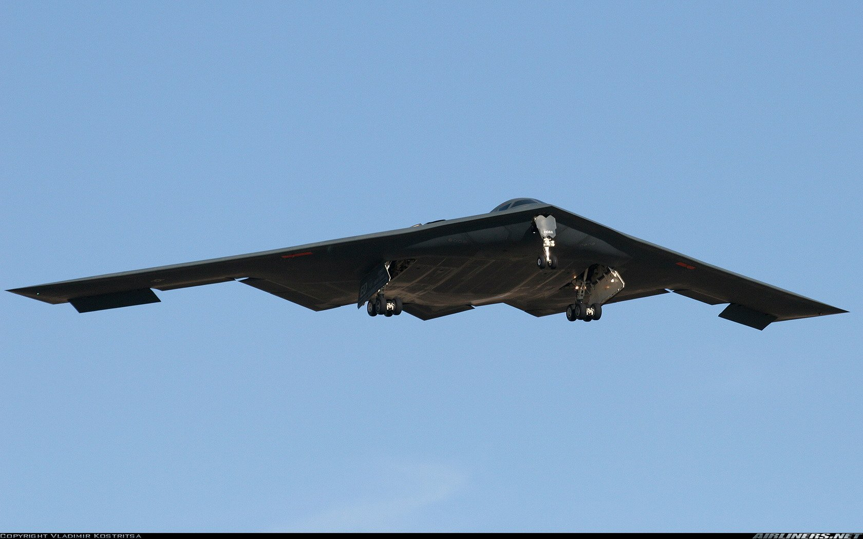 B2 Bomber Wallpaper   Viewing Gallery 1680x1050