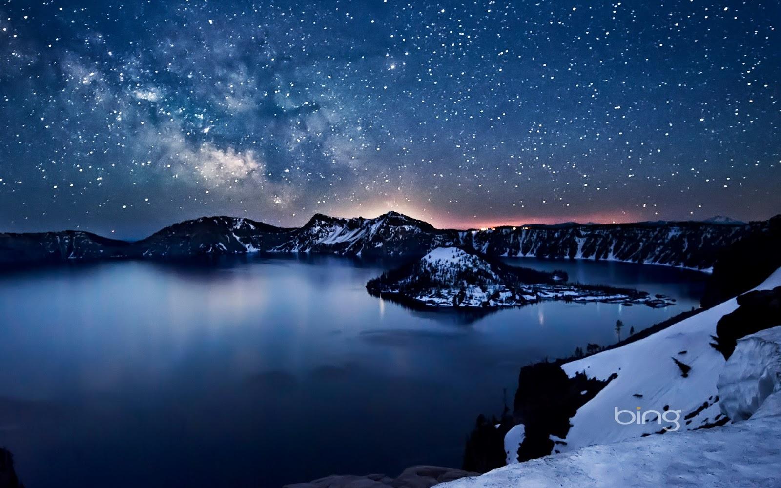Milky Way above Crater Lake Oregon Nagesh Mahadev 1600x1000