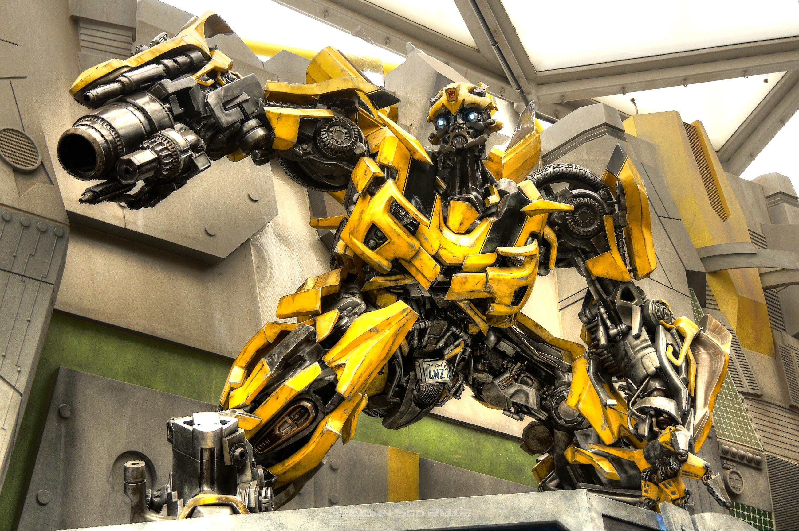 Bumblebee Transformer 2600x1730