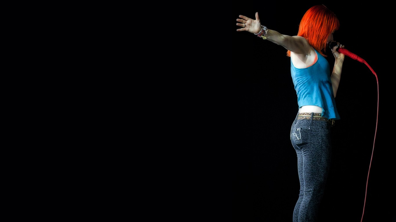Hayley Williams Wallpaper 1366x768 Hayley Williams Women Celebrity 1366x768