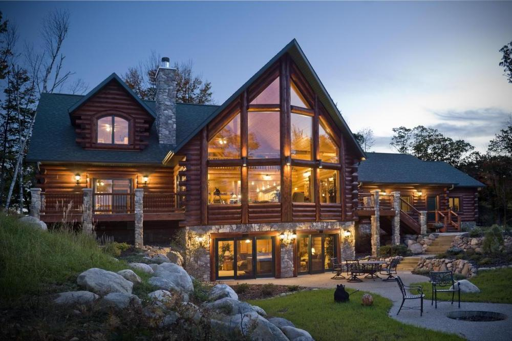 Fantastic Natural Log Cabin House with Elegant Wooden Staircase and 1000x666
