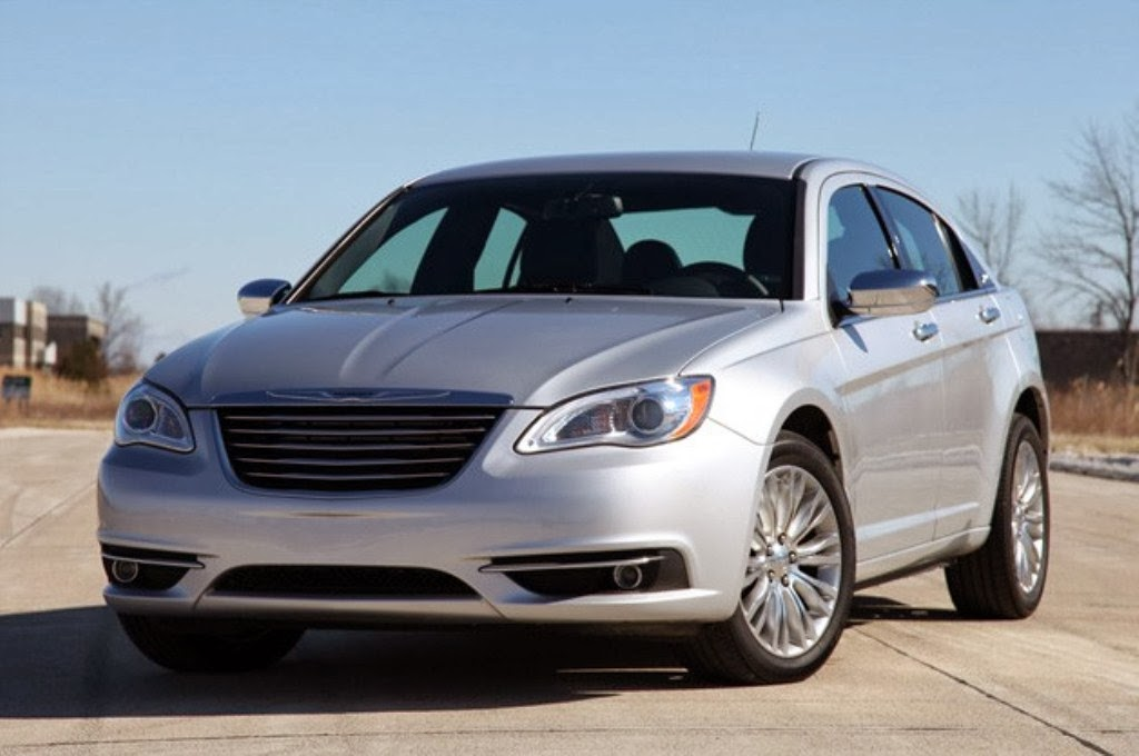 200 sedan chrysler 200 2014 cool muscles design chrysler 200 rear view 1024x680