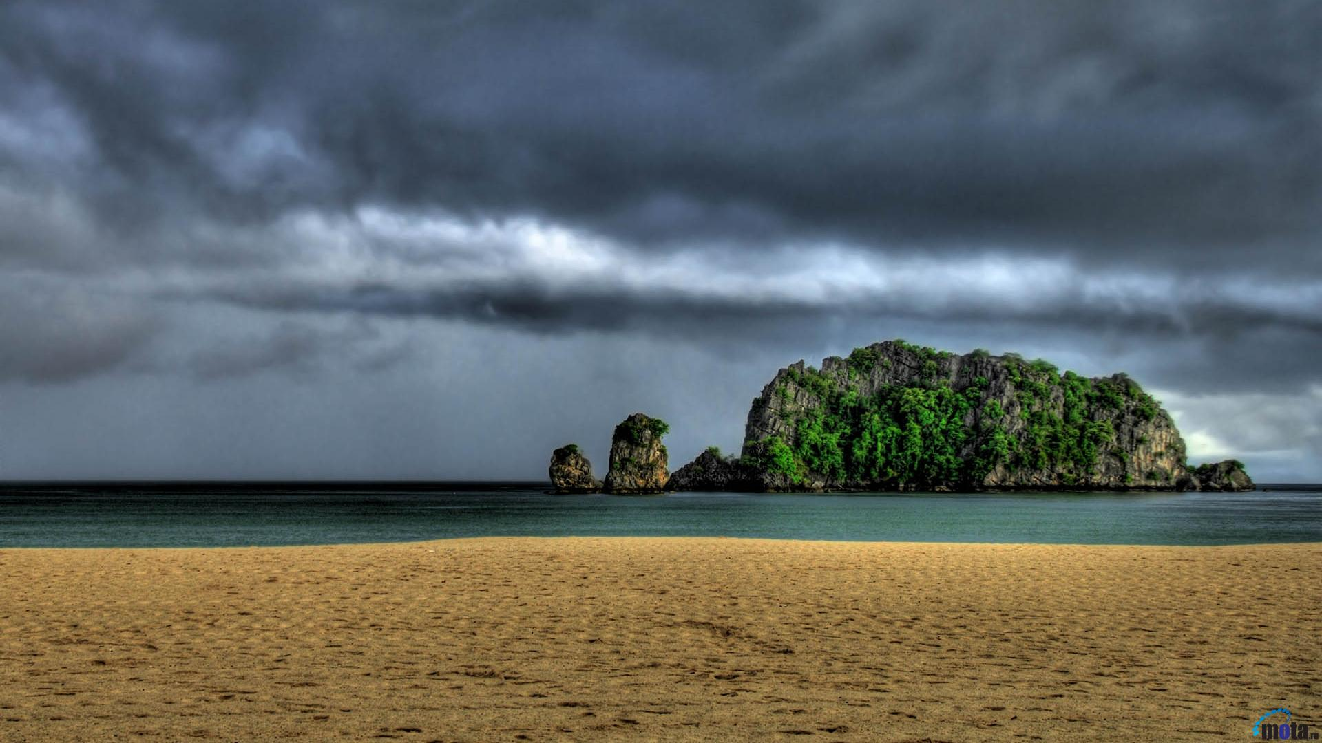 Download Wallpaper Storm clouds over the beach 1920 x 1080 HDTV 1080p 1920x1080