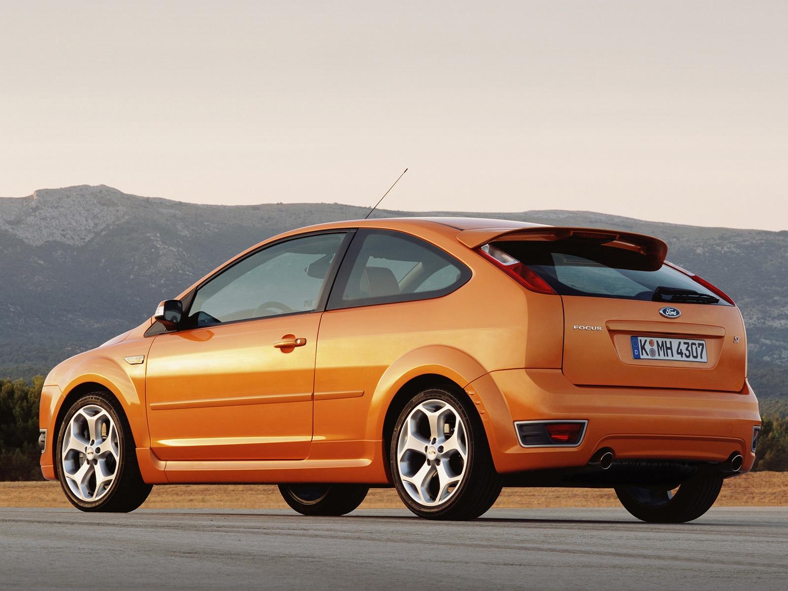 Ford Focus ST 8 wallpapers Ford Focus ST 8 stock photos 1600x1200