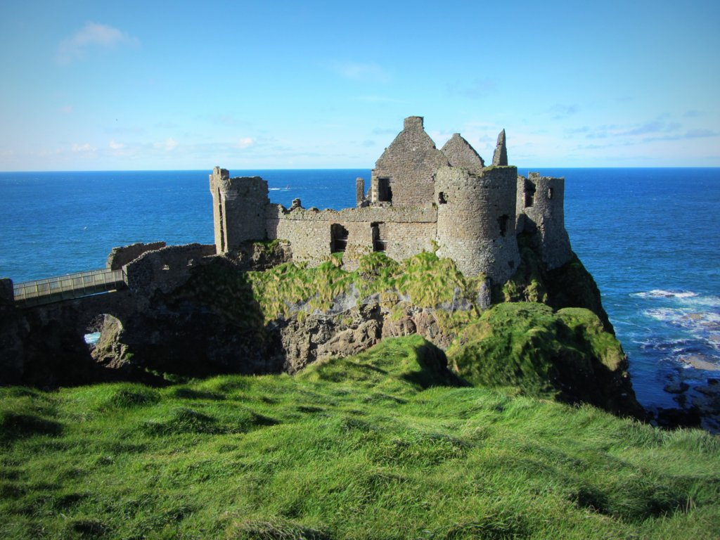Dunluce Castle Bushmills County Antrim 14th 17th centuries 1024x768