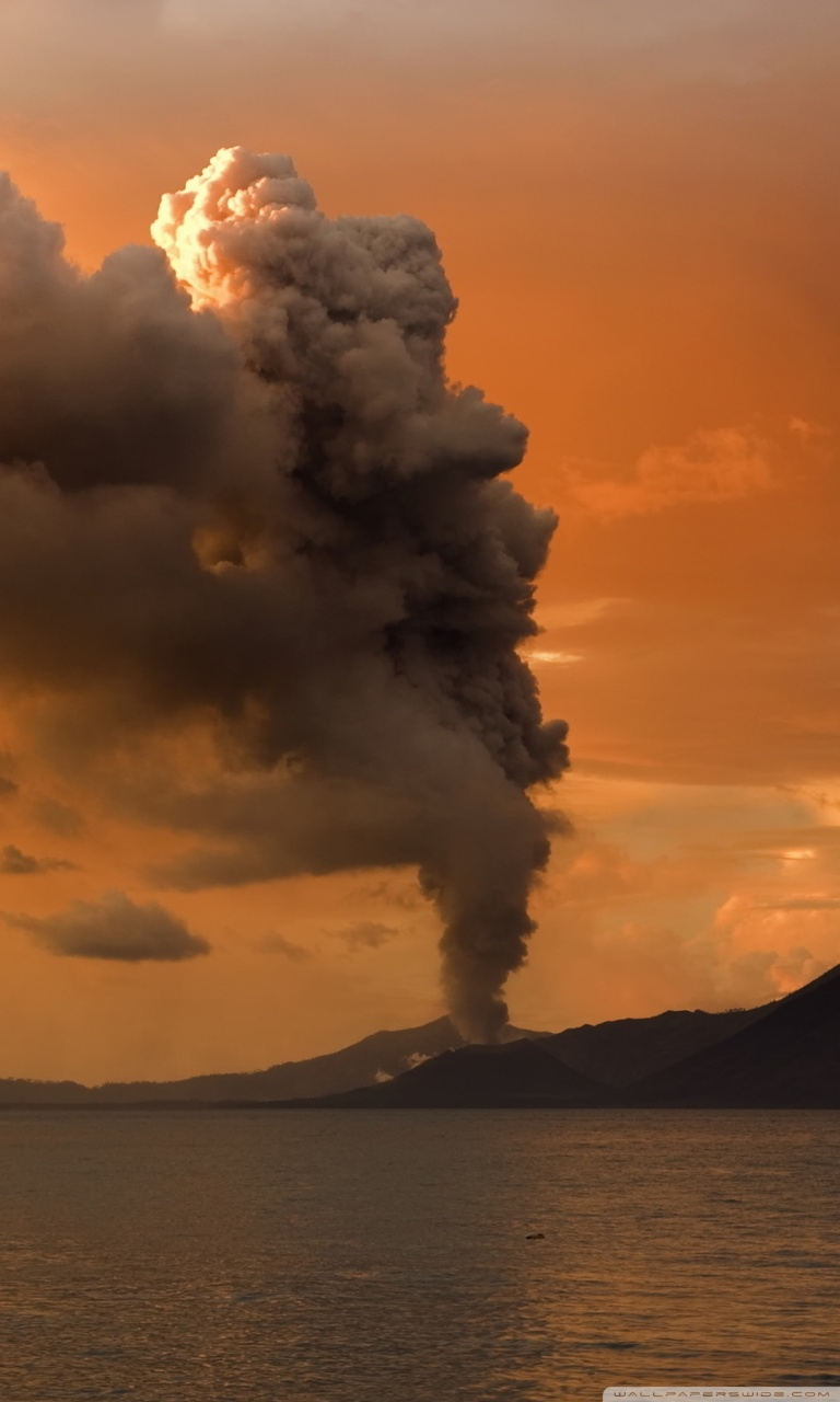 Volcanic Eruption in Papua New Guinea 4K HD Desktop Wallpaper 768x1280