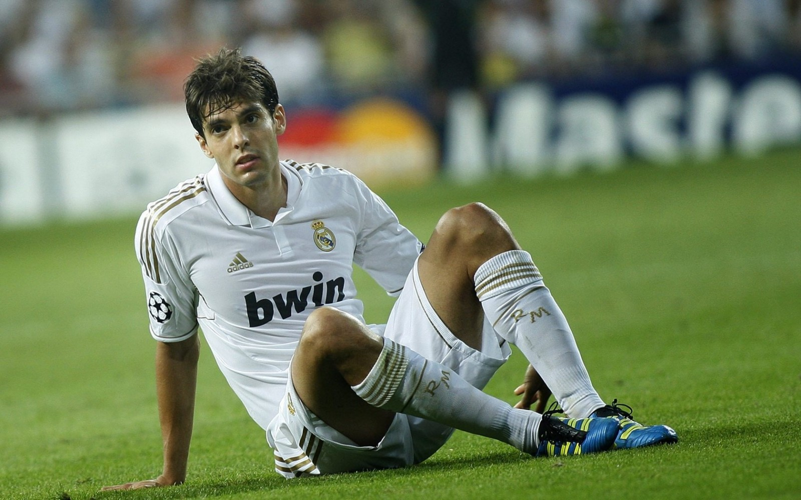 Kaka struggling for playing time at Real Madrid 1600x1000
