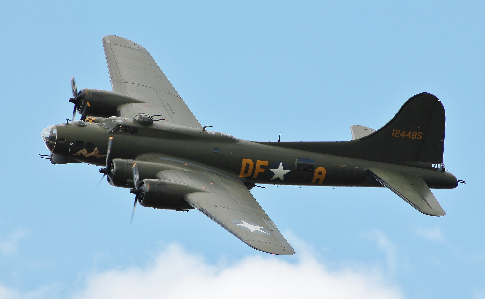 Boeing b 17 flying fortress flying fortress heavy four engine 1680x1050