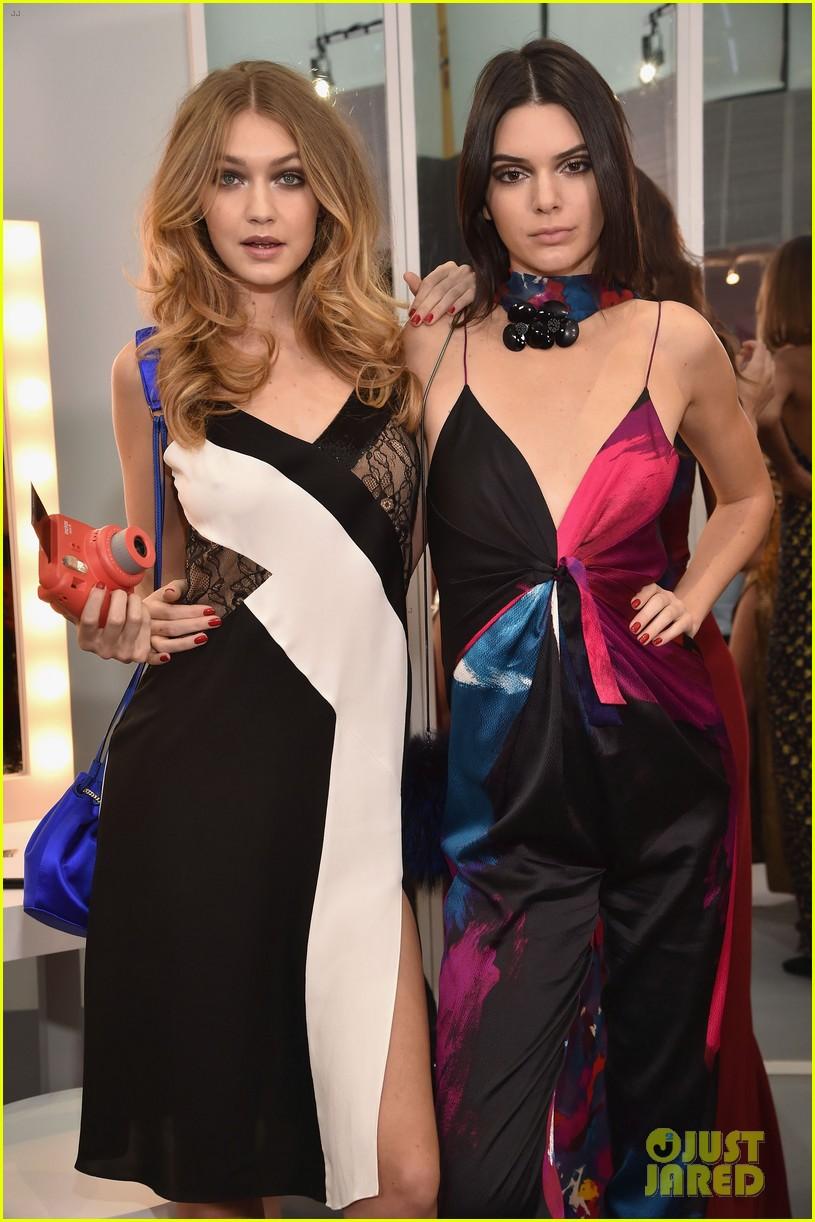 Gigi Hadid Kendall Jenner Join Karlie Kloss Jourdan Dunn at 815x1222