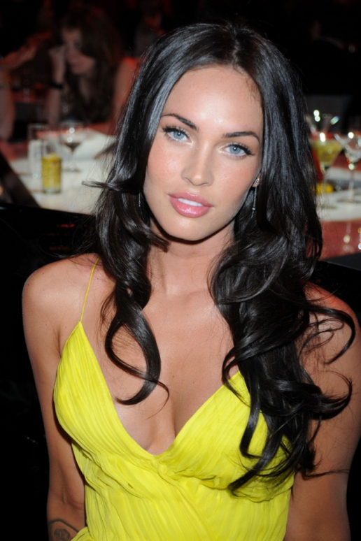 Megan Fox Party iPhone HD Wallpaper 516x774