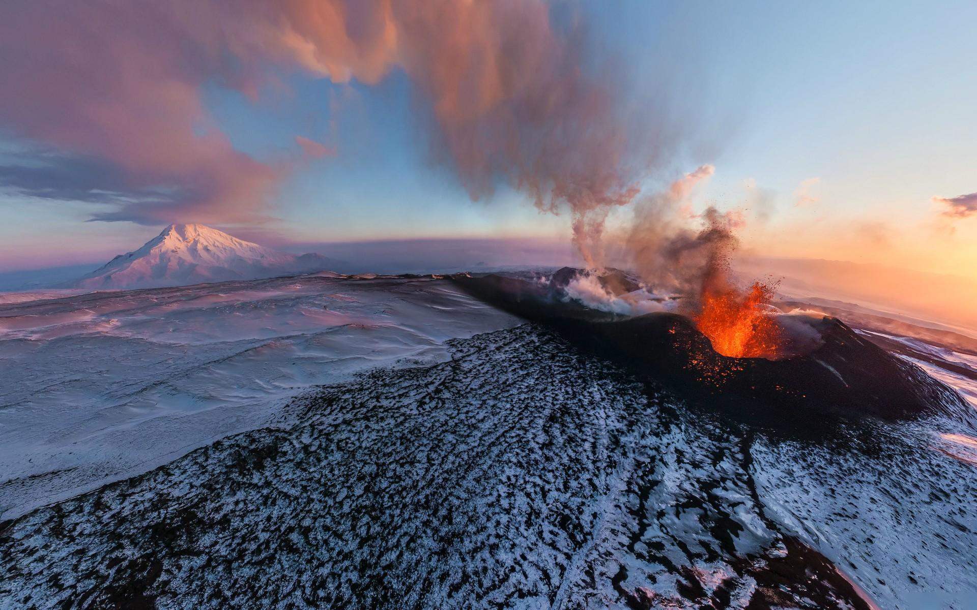 Volcano Wallpapers 1080p 5HLFG62   4USkY 1920x1200