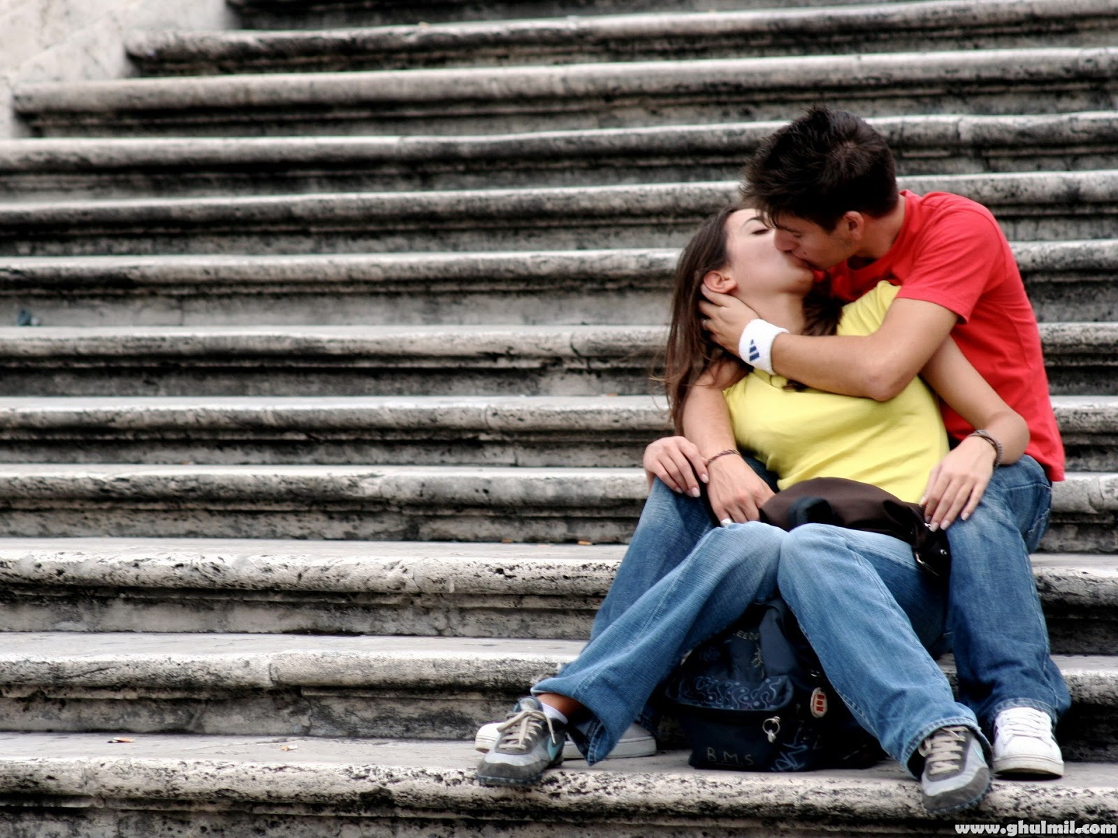 Valentines day Kiss HD wallpaper 2014 Picture and image Valentines 1600x1200