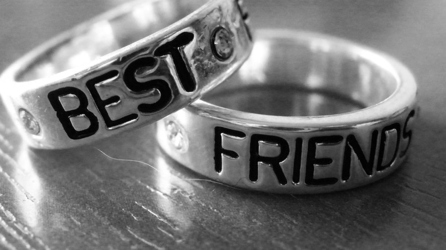 Can You Have Too Many Best Friends   Forever Twenty Somethings 900x506