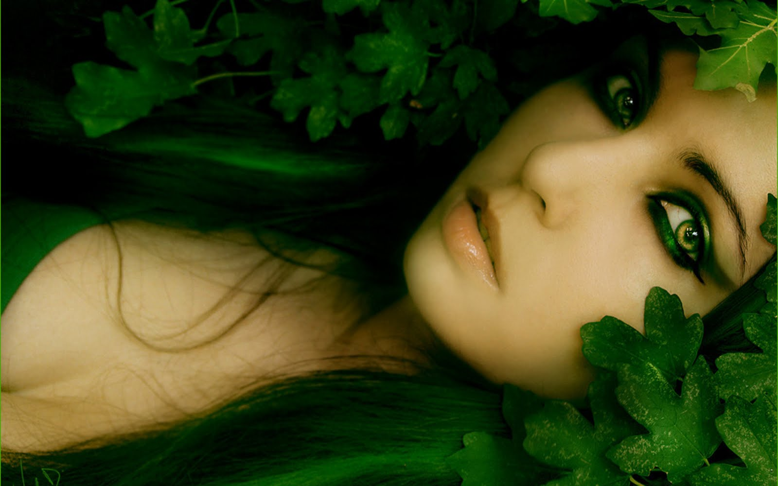Green Eyes Hair Poison Ivy HD Wallpapers Epic Desktop Backgrounds 1600x1000