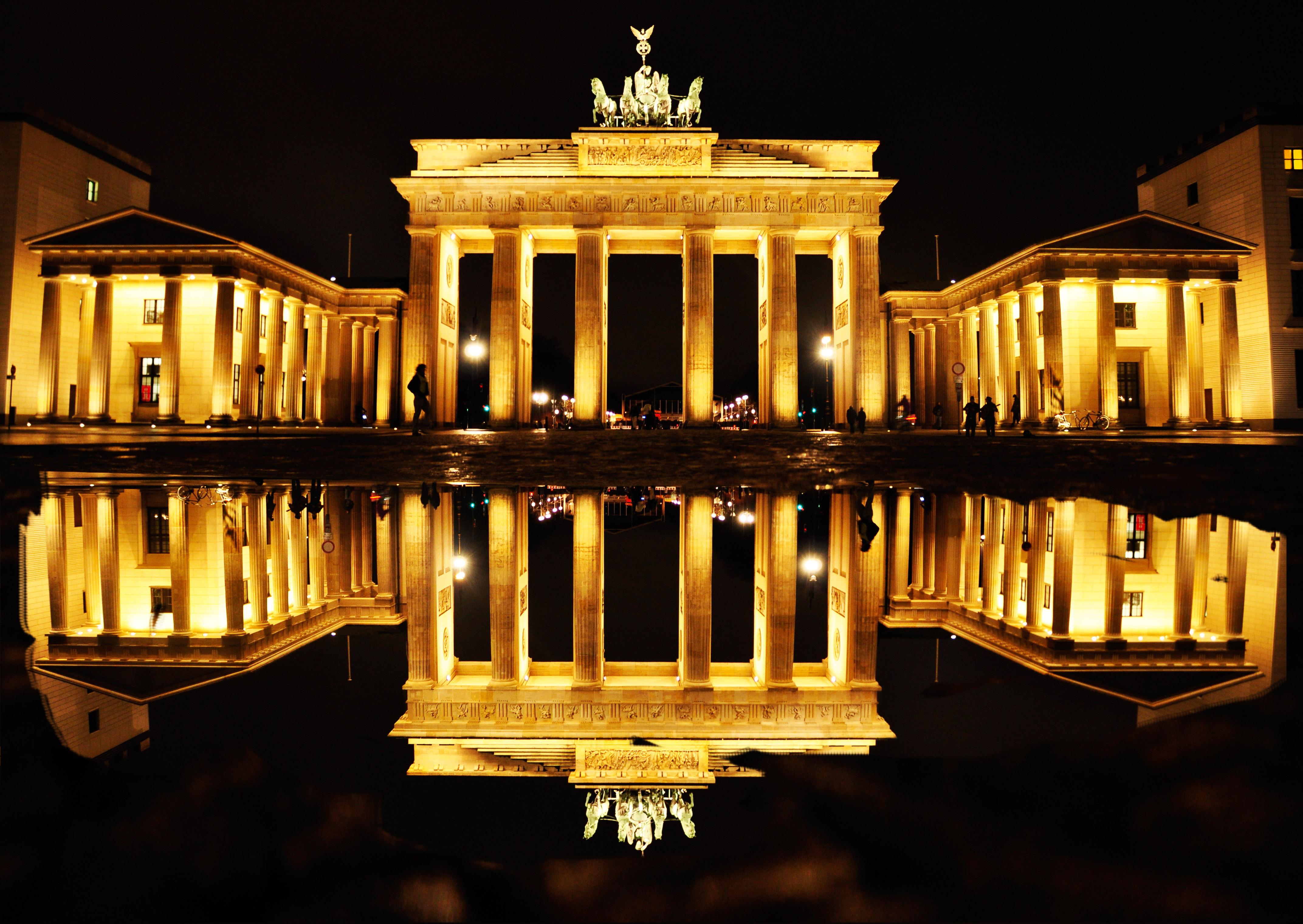 15 Brandenburg Gate HD Wallpapers Background Images   Wallpaper 4288x3041
