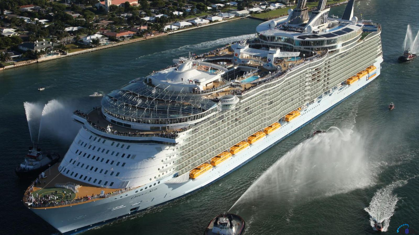 Desktop wallpapers MS Oasis of the Seas Royal Caribbean International 1600x900