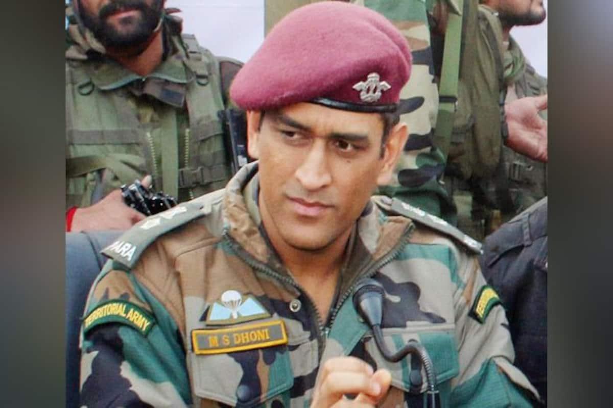 MS Dhoni Dhoni reaches Srinagar MS Dhoni serves Indian Army 1200x800