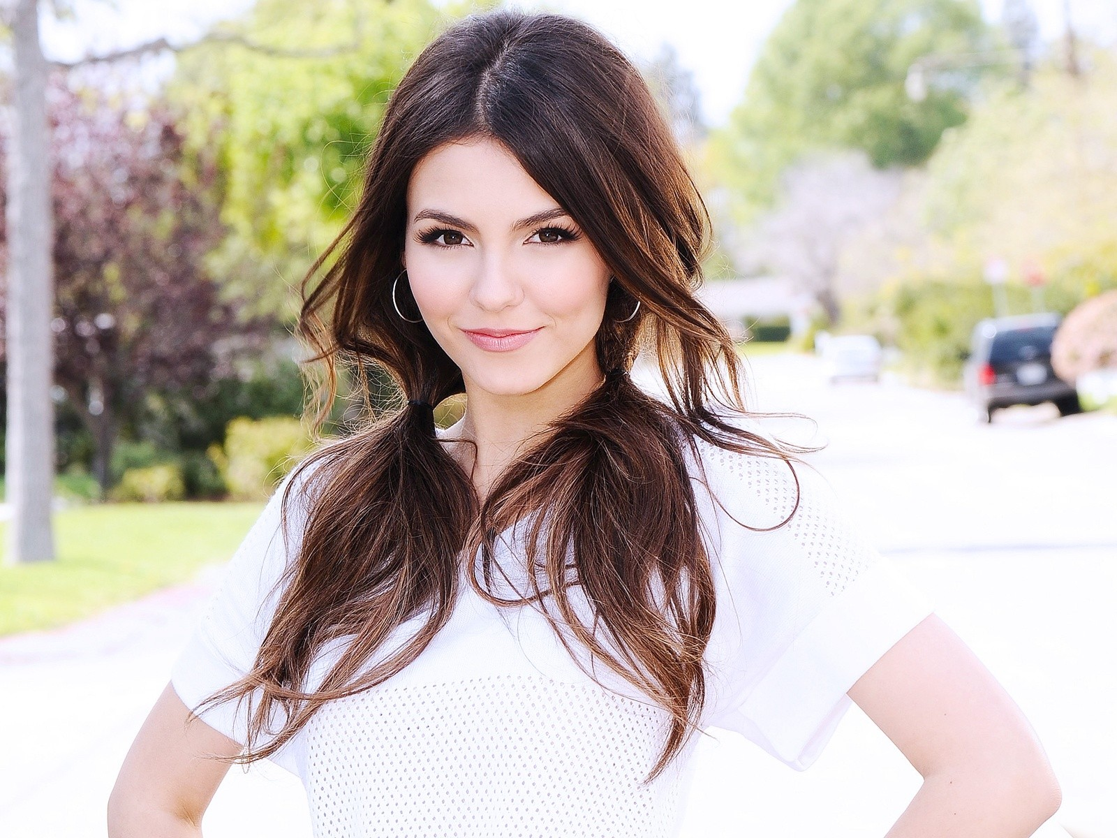 All Wallpapers Victoria Justice Hot Sexy wallpapers 1600x1200