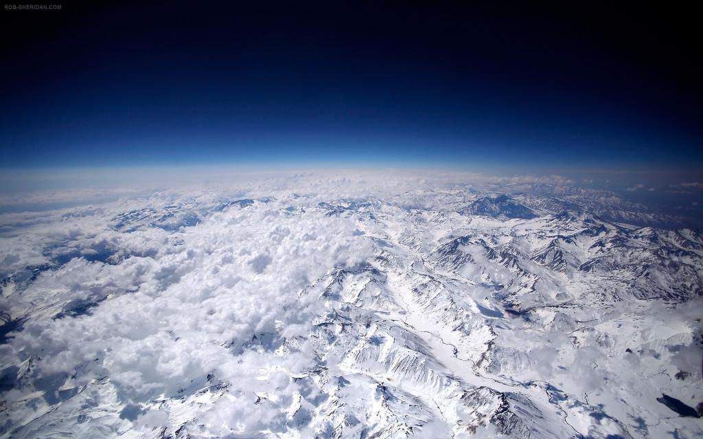 Andes Mountains hi res wallpaper for MacBook Pro retina display 1024x640