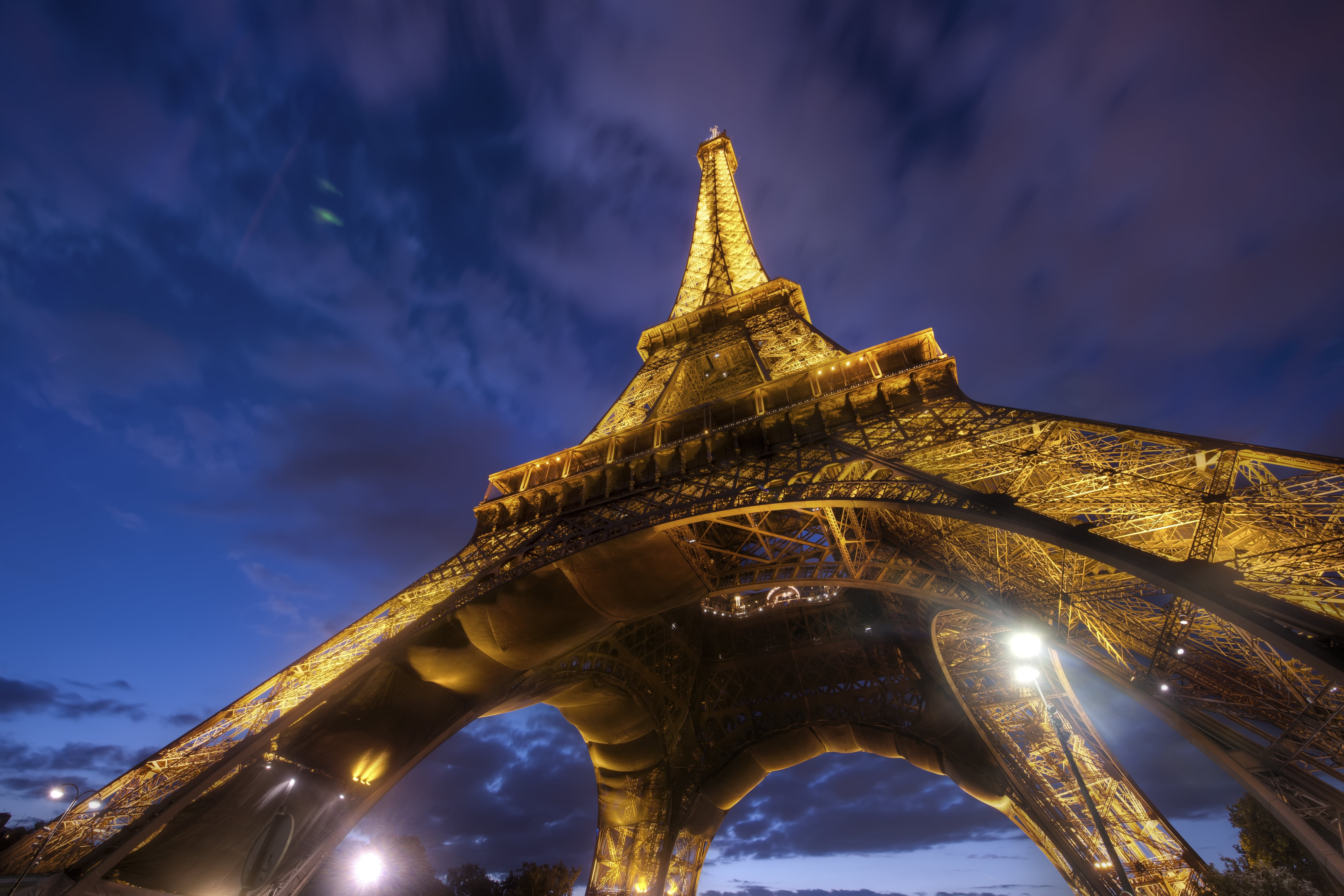 Worms eye view of Eiffel tower during nighttime HD wallpaper 6048x4032