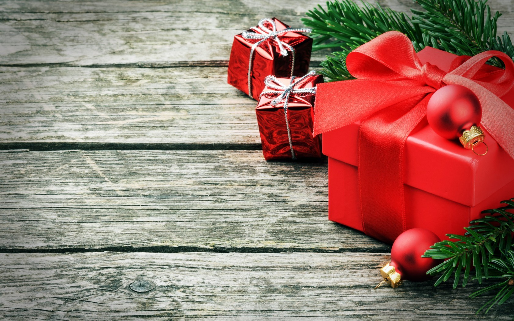 Download New Year Christmas Winter Holiday Gifts wallpaper in Holiday 1680x1050