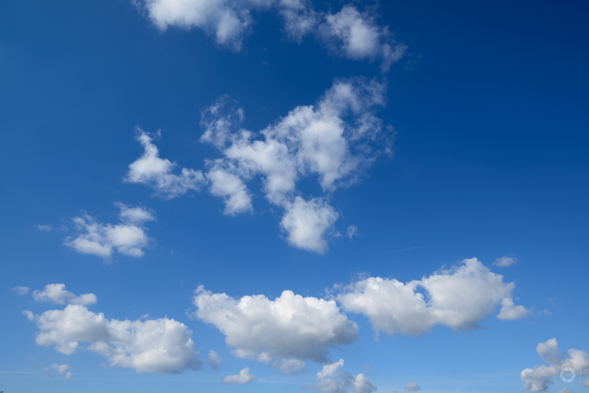 Beautiful Blue Sky with Clouds Background   High quality 1920x1281