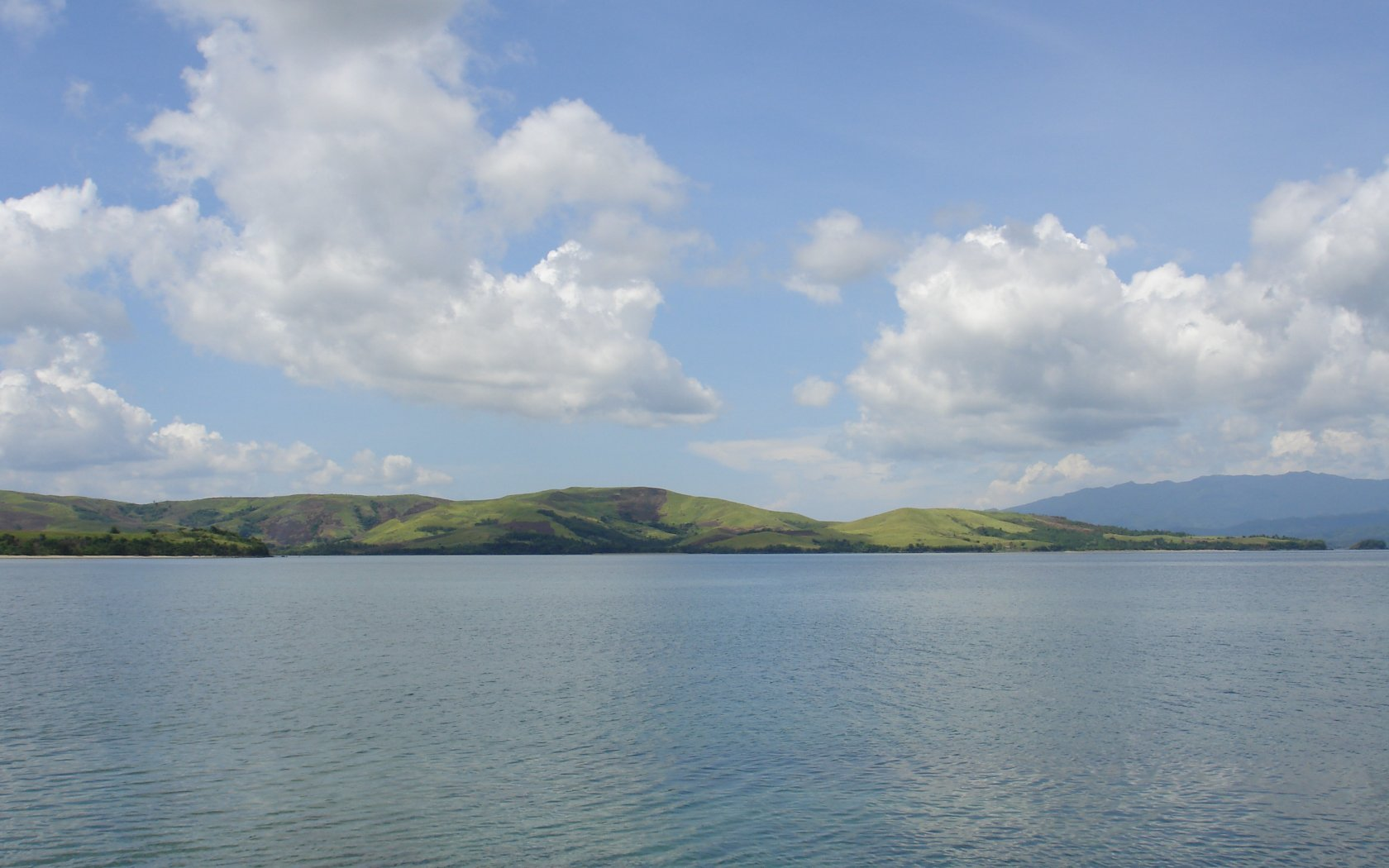 Ocean view island sceneries 1680x1050