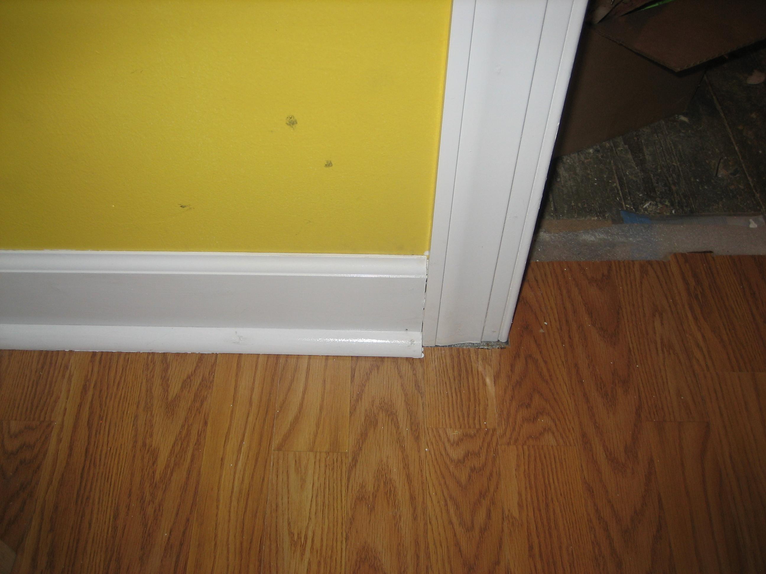 Cherry wood crown molding wallpaper border img 4348 2592x1944