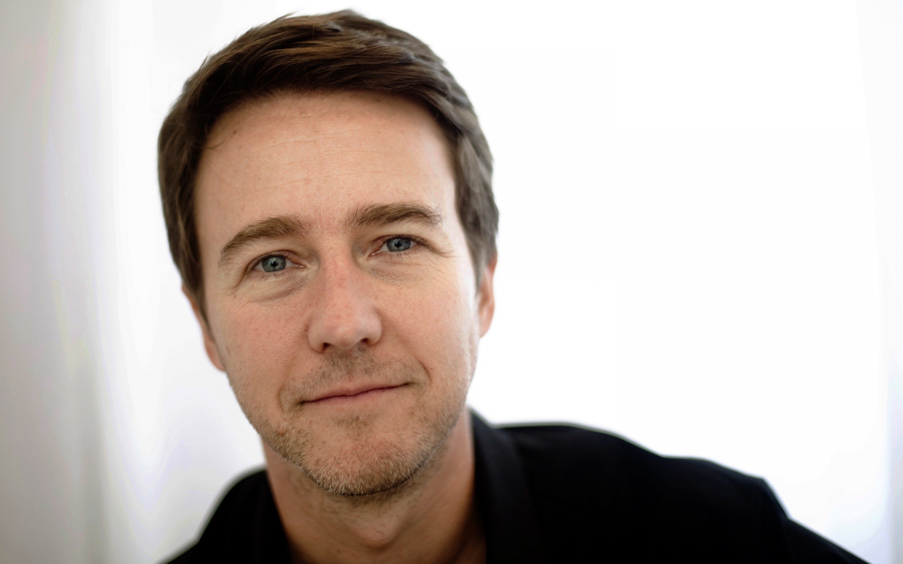 Edward Norton HD Wallpaper Background Image 2880x1800 ID 2880x1800