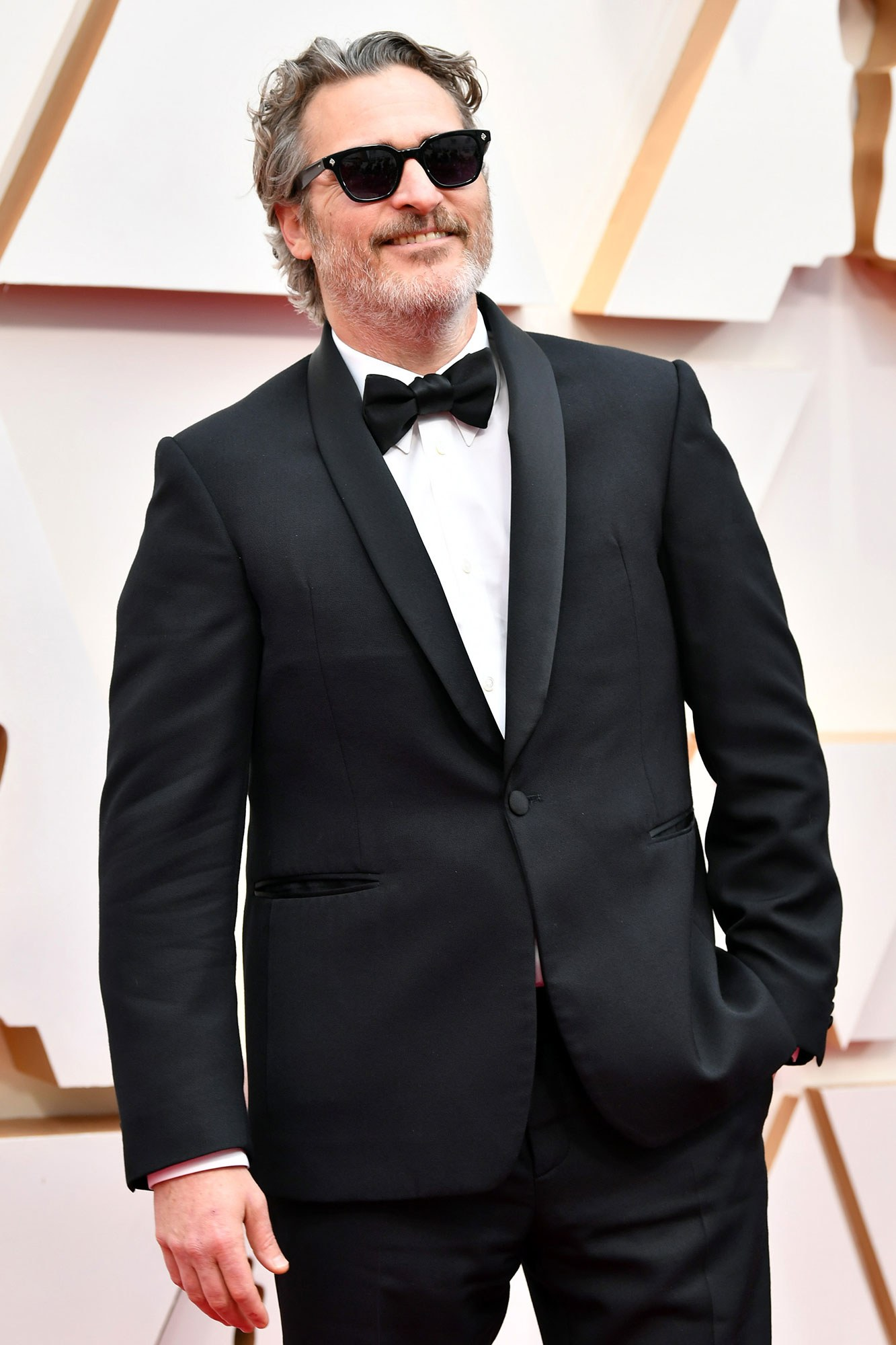 Oscars 2020 Joaquin Phoenix Dances His Way to His First Academy 1333x2000