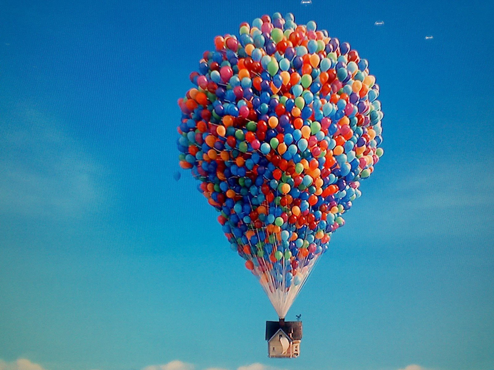 Up In The Air movie wallpaper 1600x1200 323901 WallpaperUP 1600x1200