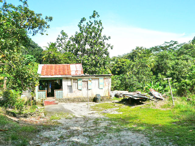 properties dominica information about acre map of dominica caribbean 640x480