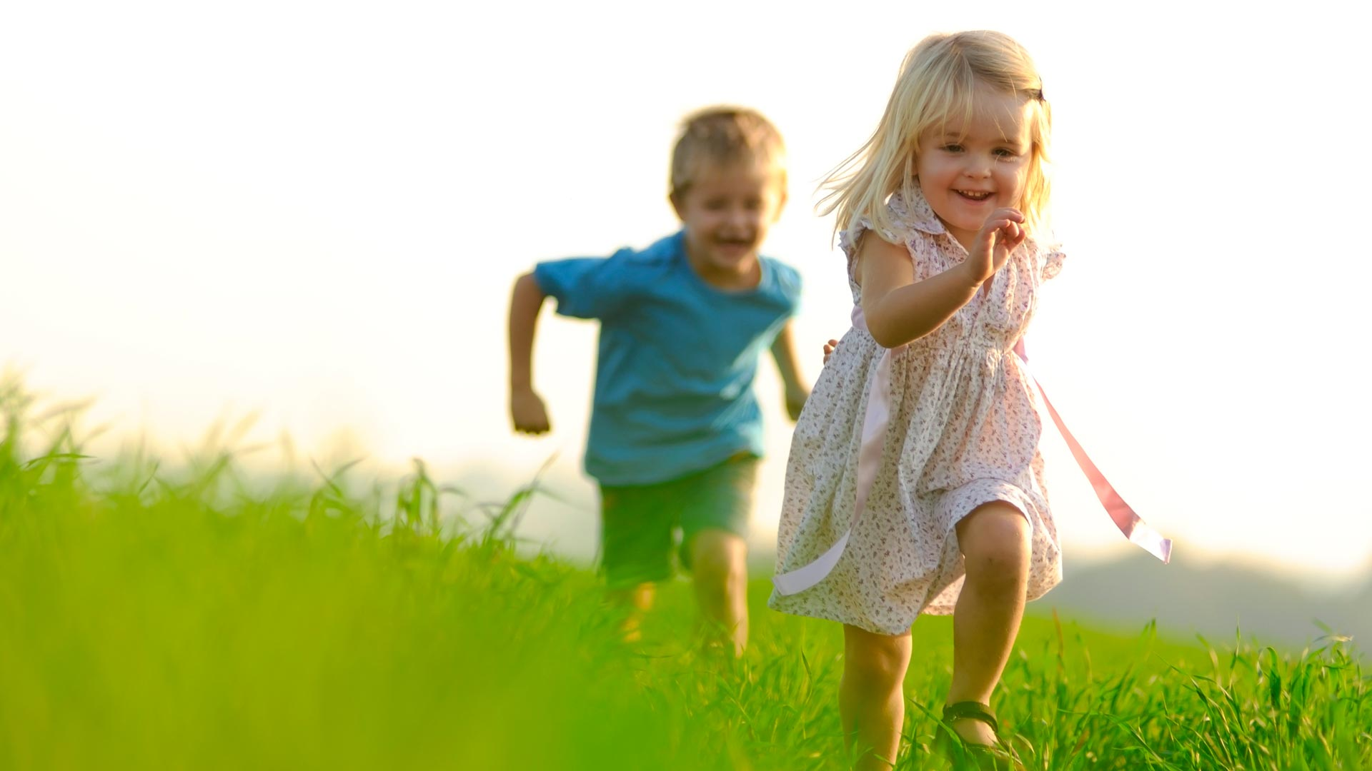 hd wallpaper kids chasing   Background Wallpapers for your 1920x1080