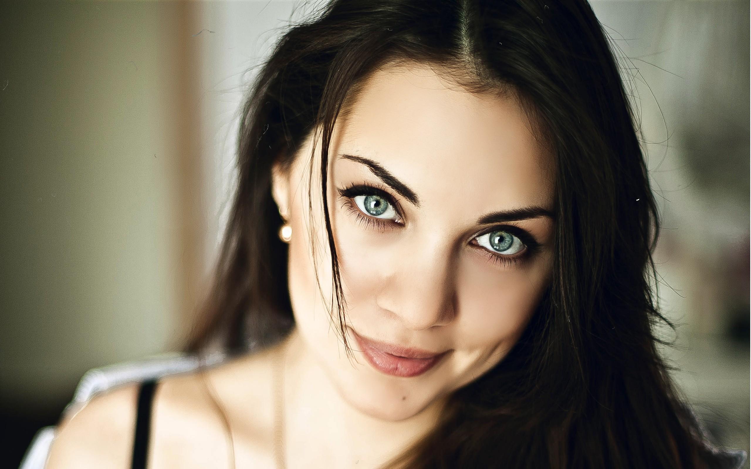 drummond brunette close - photo #24
