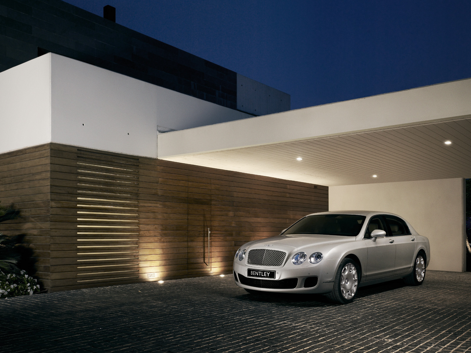 Bentley Continental Flying Spur Wallpapers and Background Images 1600x1200