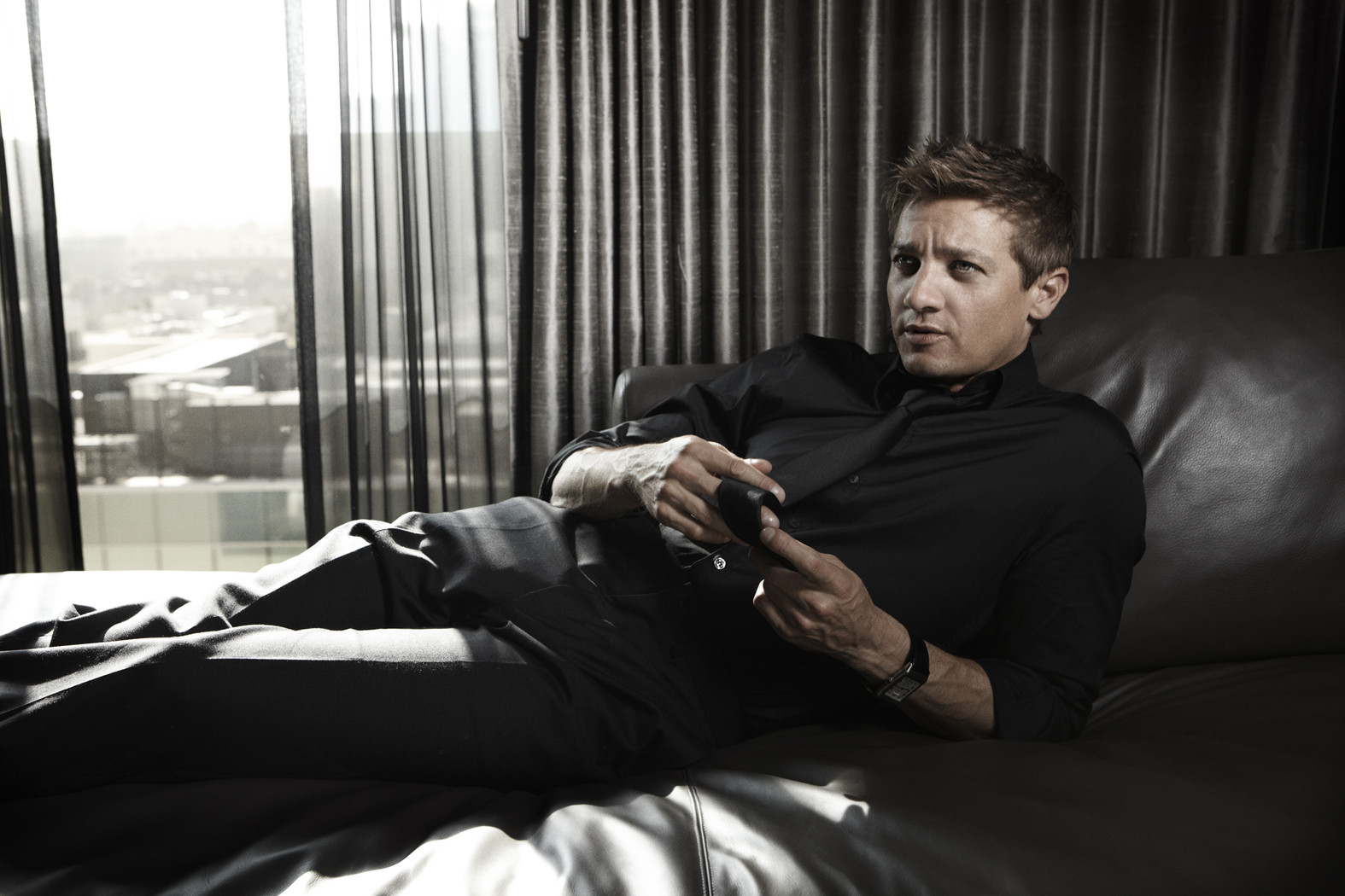 Jeremy Renner Wallpapers and Background Images   stmednet 1575x1050