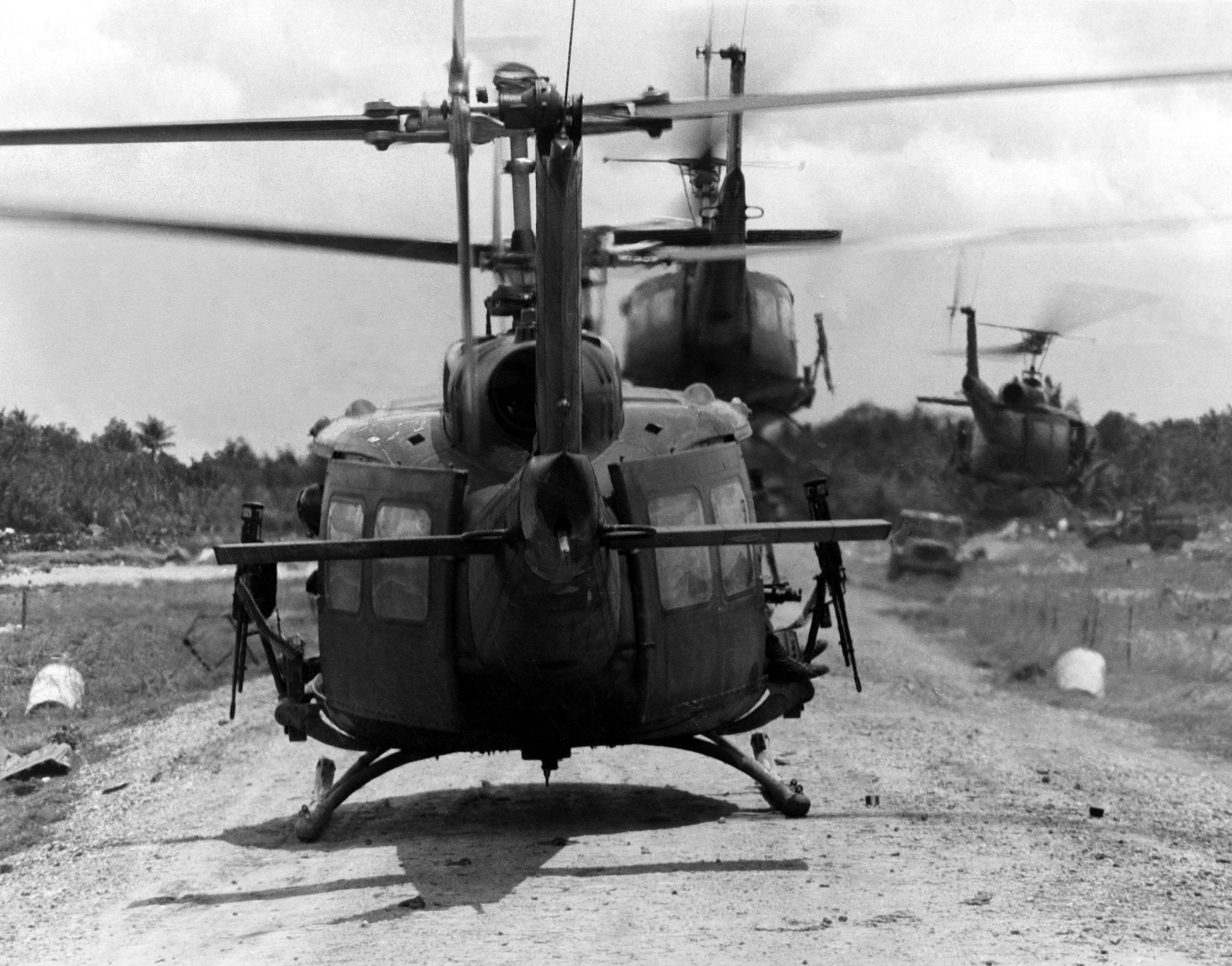 Free download Bell UH 1 Iroquois Huey Vietnam Helicopter