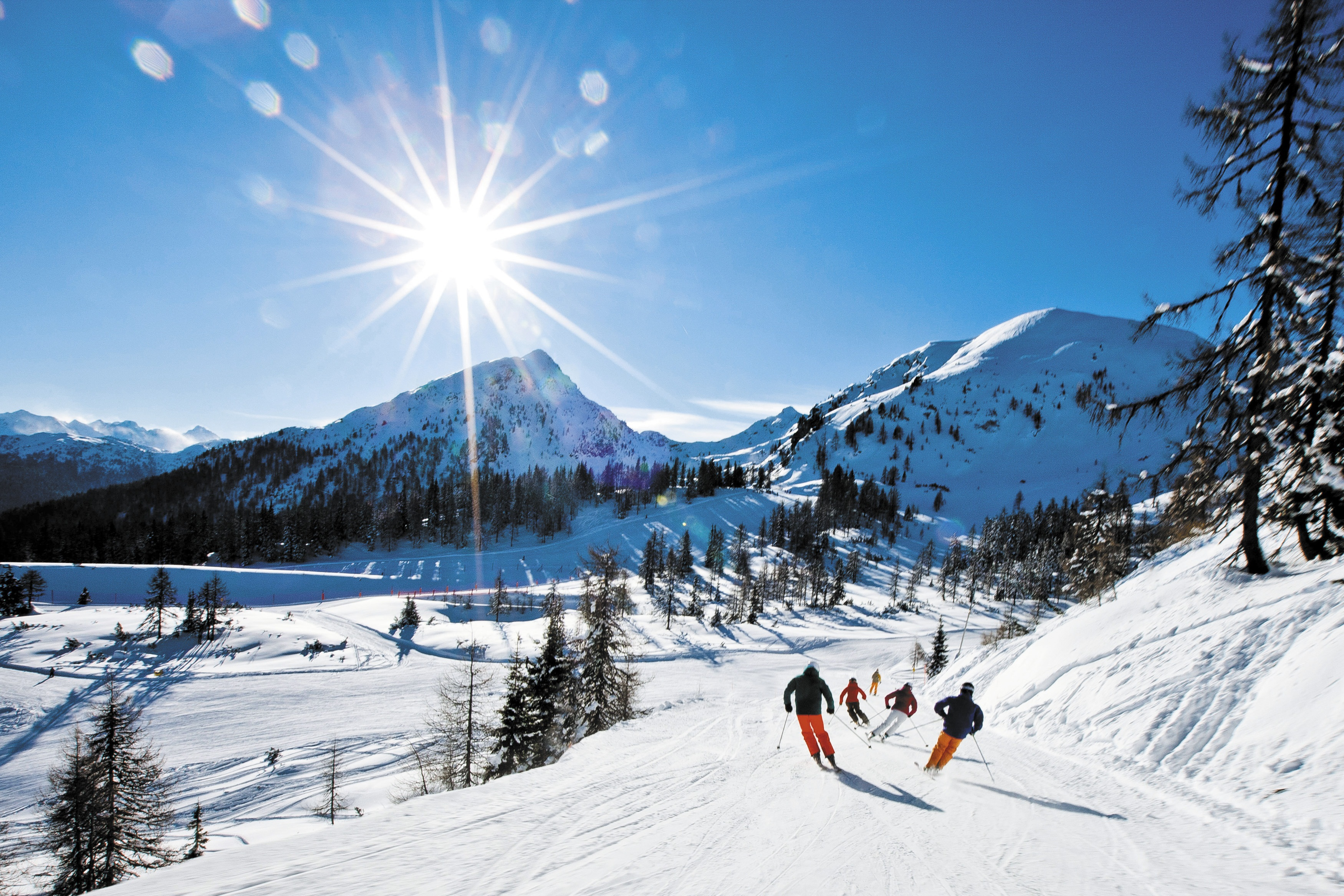 Skiing in the ski resort of Schladming Austria wallpapers and images 3500x2333