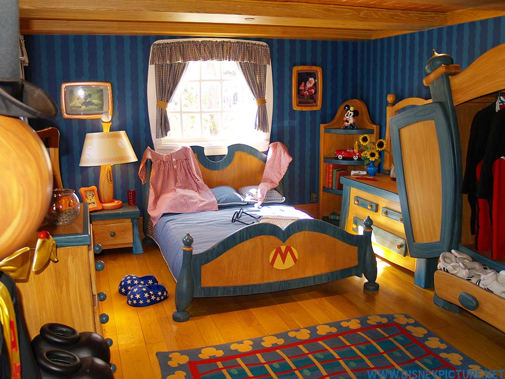 disney wallpaper for bedrooms disney room wallpaper wallpapersafari 15176