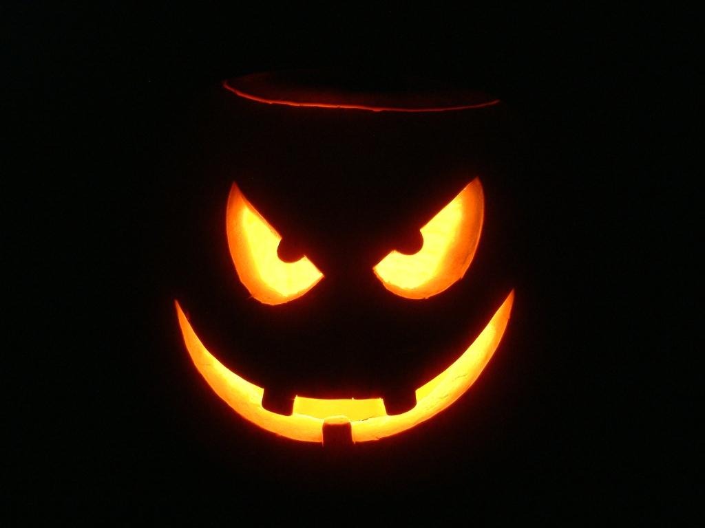 Download Halloween PowerPoint Backgrounds 1024x768