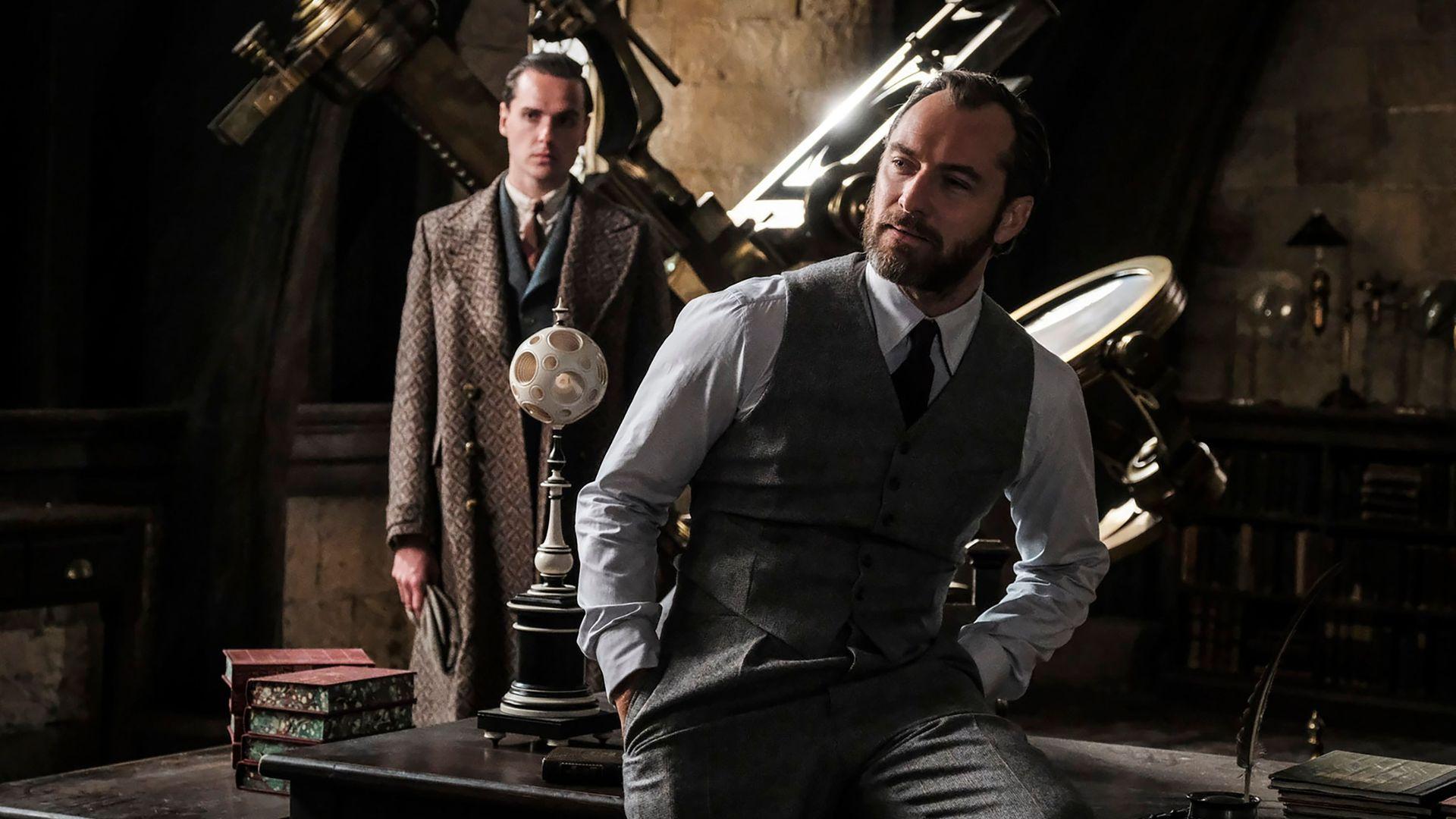 Jude Law as Albus Dumbledore Fantastic Beasts 2 Wallpaper 1920x1080