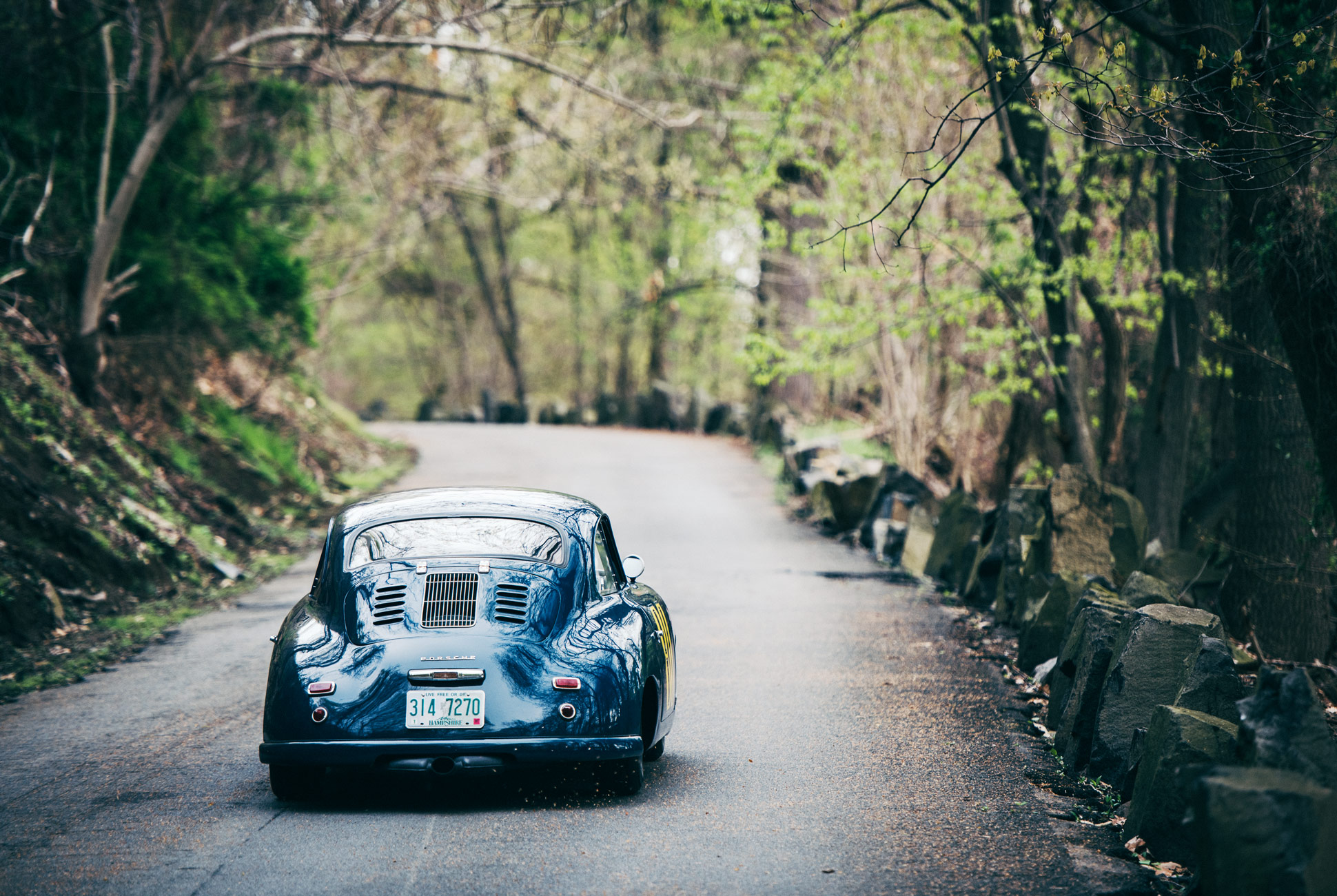 Download This Vintage Porsche Wallpaper Gear Patrol 1940x1300