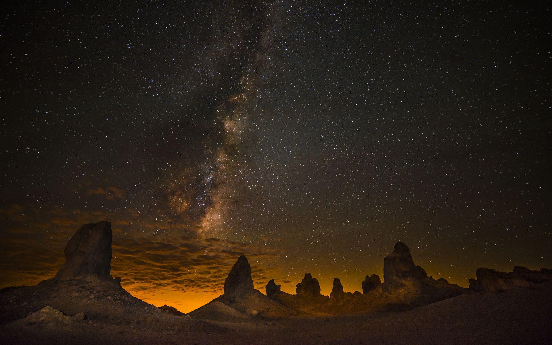 Starry sky over the desert wallpaper 17730 1920x1200