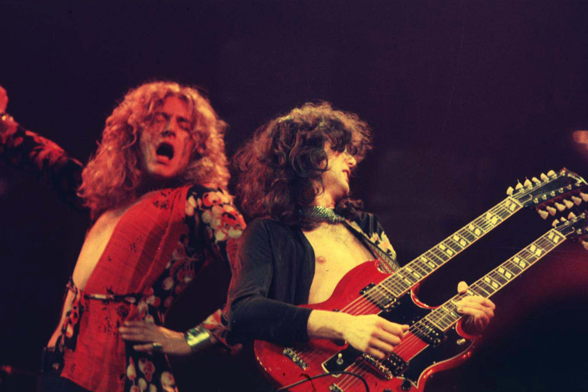 robert plant and jimmy page live wallpaper 2000x1333