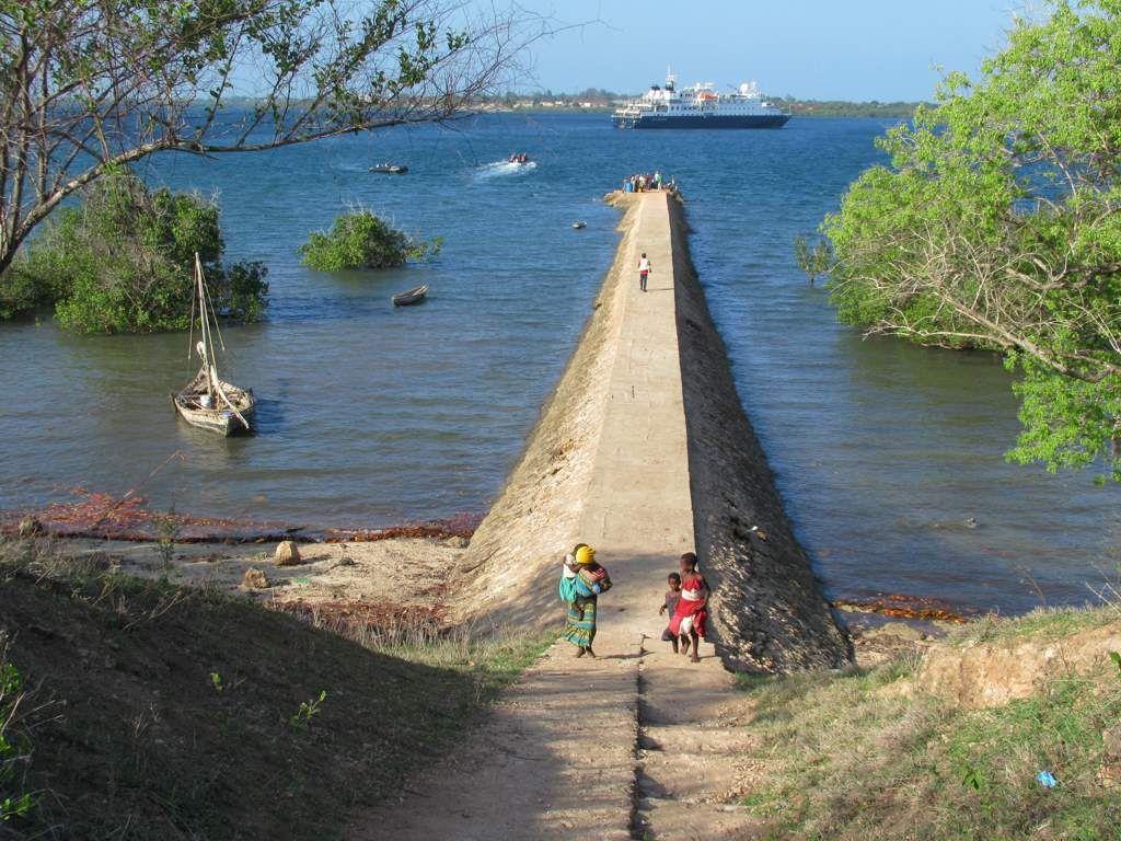 Most visitors to Kilwa Kisiwani Island Tanzania arrive on this 1024x768