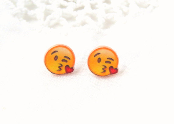 kissy face emoji earrings emoji earrings emoji stud earrings 570x406