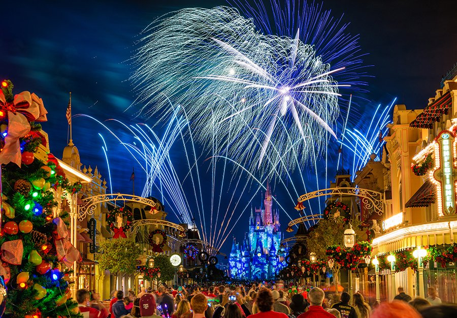 Merry Christmas From Magic Kingdom Wallpaper The Art Mad Wallpapers 900x626
