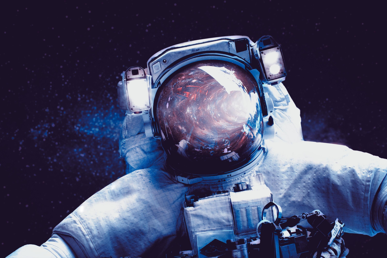 Download wallpaper 3000x2000 astronaut space suit spaceman hd 3000x2000