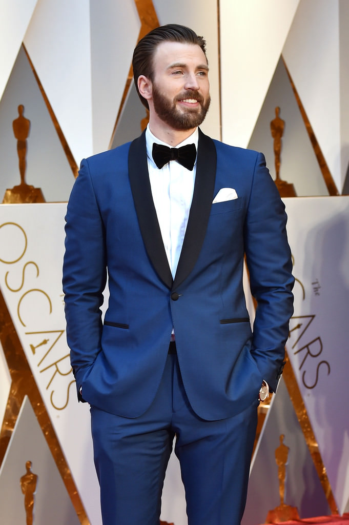 Oscars 2017 Chris Evans is Your Bearded Boo in Blue Tom 681x1024